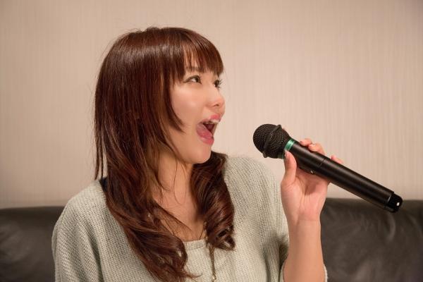 恋愛の歌で恋を楽しもう!カラオケで人気の恋愛曲7選
