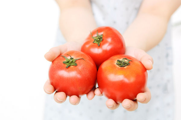 トマトジュースダイエットの効果的な6つの手順