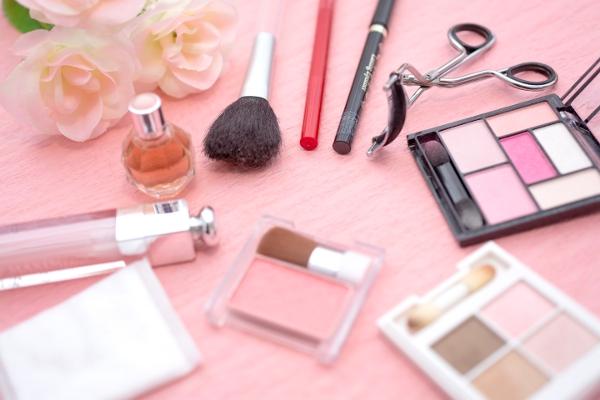 デートの前のチェックポイント☆毛穴の開きを改善する6つのスキンケア法