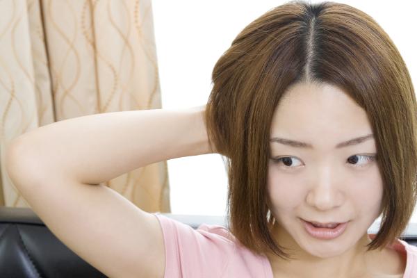 薄毛の女性が取る5つの対処法