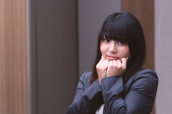 職場で女性が好きな人にとる態度でよくある5つのもの