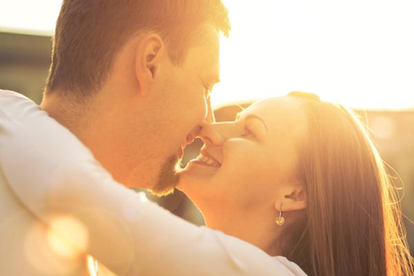 女からキスをした時の男性の5つの反応