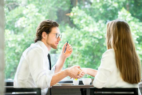 付き合うきっかけといえば職場恋愛ならこの5つ!