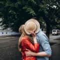 キスをする心理で浮かぶ5つのもの
